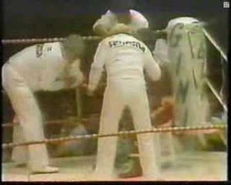 Carlos Monzon vs Rodrigo Valdez I Rounds 4-5 Video