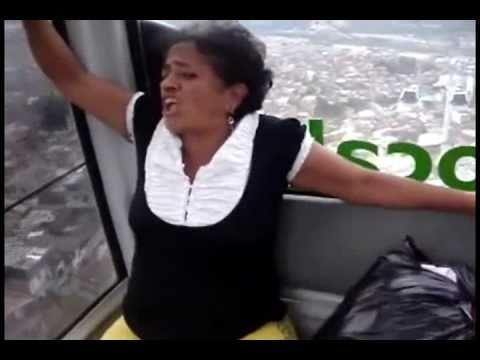 La señora aterrorizada del metro cable Doña Gloria video completo