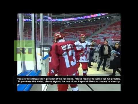 Russia: Putin shows hockey skills again with Belarusian President Lukashenko