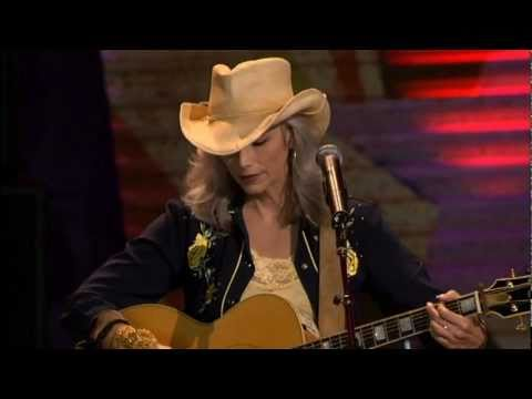 Emmylou Harris - Red Dirt Girl (Live at Farm Aid 2005)