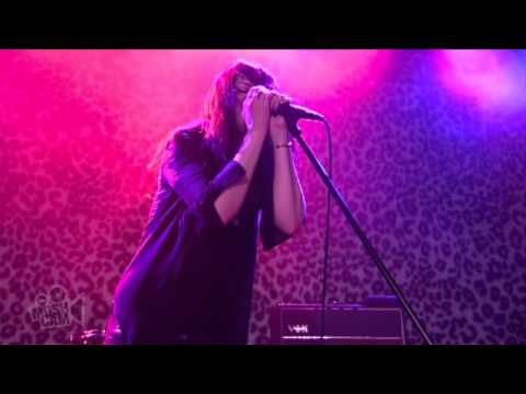 The Kills - Satellite (Live in Sydney)   Moshcam