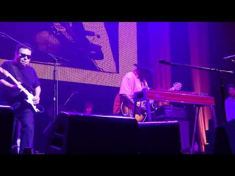 David Hidalgo, Cesar Rosas and Taj Mahal - Killing Floor Live in Austin