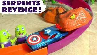 Hot Wheels Cars Knockout Race with the funny Funlings on the Serpents Revenge with Superheroes TT4U
