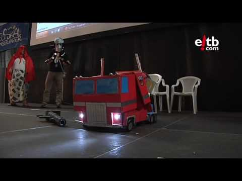 Increíble transformación de Optimus Prime en la Euskal Encounter 2010