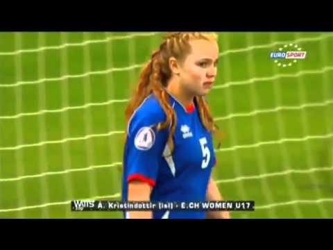 The worst female Goalkeeper ever أسوء حارسة مرمى