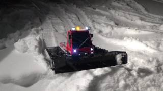 Kyosho blizzard sr at work,exhaust smoking,simulator engine sound,awesome.