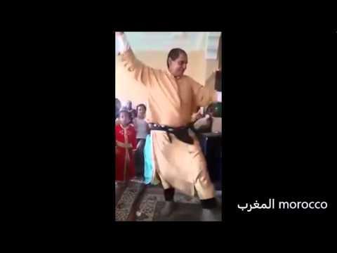 مخنث مغربي يرقص ويحرك مؤخرته thumbnail