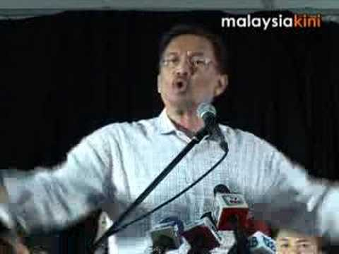 Embattled leader speaks at 10000-strong rally
