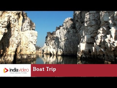Boat trip amidst Marble Carvings