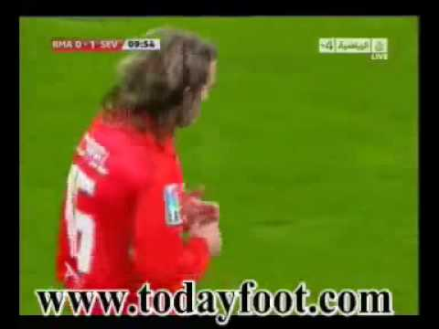 Gol de Xavi Alonso en propia meta  0-1 Real Madrid VS Sevilla 6/3/10