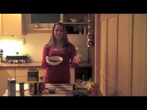 Student Health 101 UCookbook: Erika prepares healthy chocolate oatmeal for breakfast.