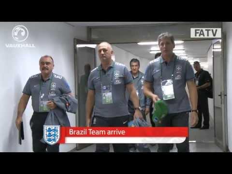 Neymar, Rooney, (Brazilian) Ronaldo & both the teams appear in Tunnelcam, Brazil vs England 2-2