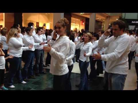 Flashmob pour l'ouverture 4G Bouygues Telecom a Velizy  2