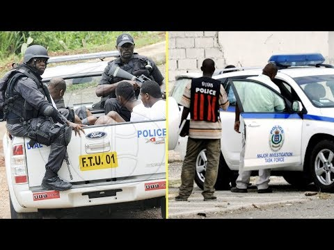 Jamaican Police Ch@rged With Recording 2 B@ttyman Caught In A Motor Car In A Compromising Position thumbnail