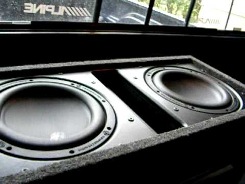 Memphis mojo 10inch subwoofers/Orion HCCA 2400 watt amp