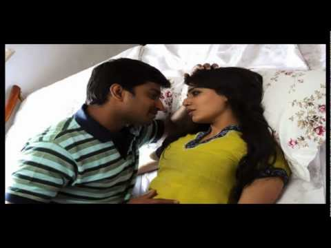Yedhi Yedhi (yeto Vellipoyindi Manasu) video