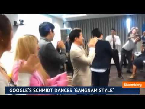 Google's Eric Schmidt Dance's `Gangnam Style'