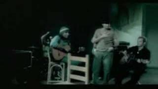 Watch Aljadaqui Se Me Va La Vida video