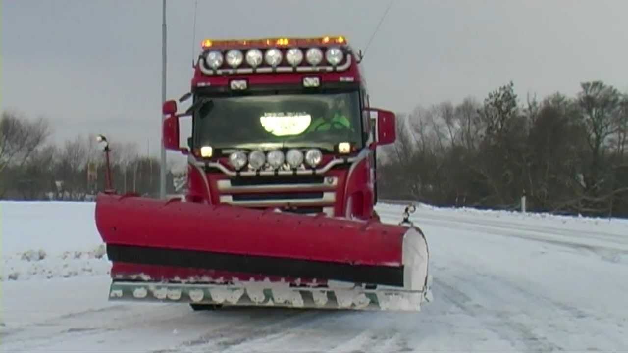 Winter December 8, 2012 Snow plowing with Scania truck and Volvo wheel loaders - YouTube