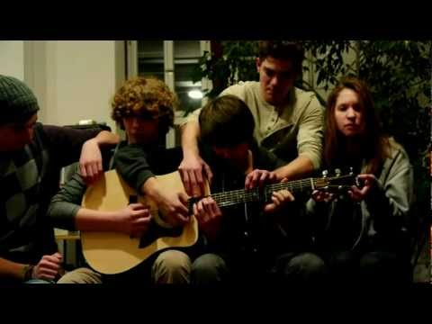 Somebody That I Used To Know - Walk Off The Earth / Gotye feat. Kimbra (akustik cover) Music Videos