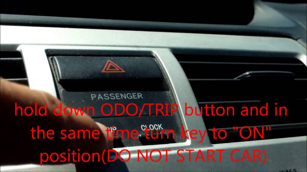 How to reset oil maintenance light 2008 Toyota Yaris - YouTube