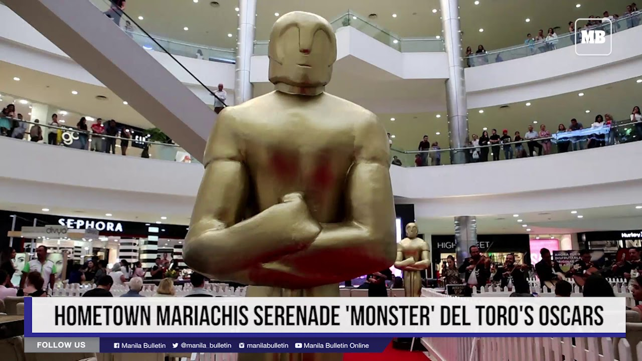 Hometown mariachis serenade 'monster' Del Toro's Oscars