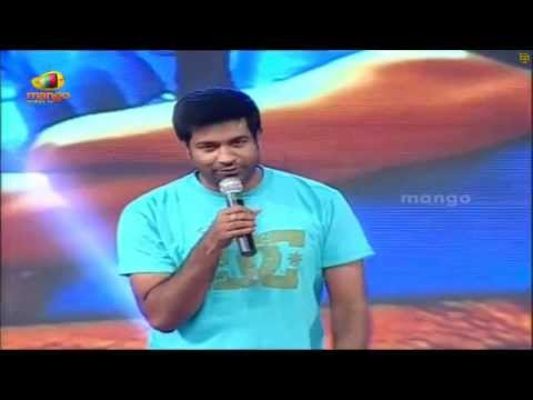 Vennela Kishore Winks at Samantha  Autonagar Surya Audio Launch...