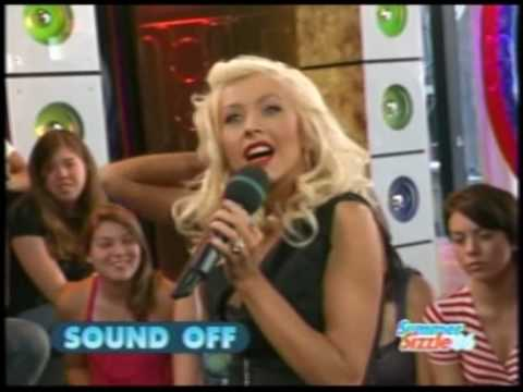 christina-aguilera-favouritefunny-moments-part-3.html