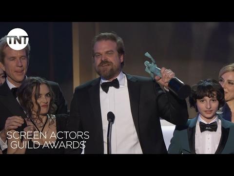 Stranger Things Cast: Acceptance Speech | 23rd Annual SAG Awards | TNT streaming vf