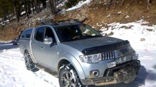 Mitsubishi L200 in the Snow
