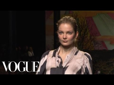 Fashion Show - Stella McCartney: Fall 2009 Ready-to-Wear