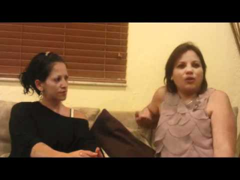 PROGRAMA VIA DE ESCAPE ENTREVISTA A MILAGROS TRIMARCHI Y SABRINA AMENEDO - MODA Y SEXO EN ACCION