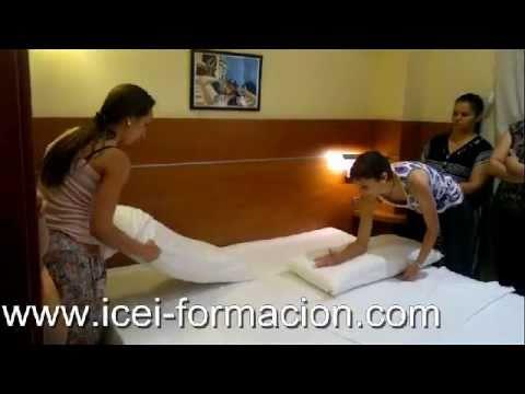 Curso camarera de piso hotel youtube for Trabajo de camarera de pisos