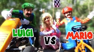 MARIO vs LUIGI course de Karts in real Life Feat PRINCESS PEACH