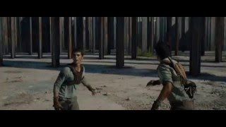 The Maze Runner 2014 - Maze Running Full Scene HD