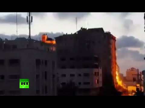 Dramatic: Apartment block collapses in Gaza after Israeli strikes