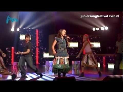 Tess - Stupid - Halve finale Junior Songfestival 2005