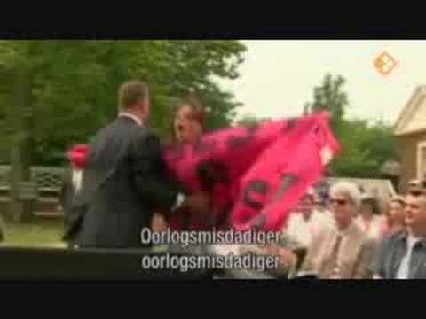 Bush heckled item Dutch news