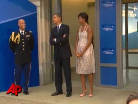 Raw Video: Diplomat Wants 1st Lady Pic Not Pres.
