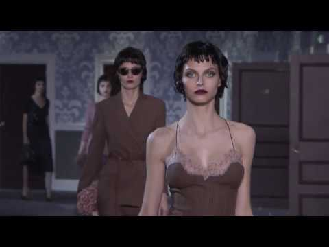 Louis Vuitton | Fall Winter 2013/2014 Full Fashion Show | Exclusive