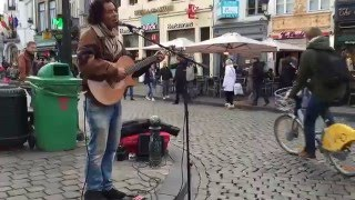Louis Armstrong, What a Wonderful World by Vincent van Hessen - busking in the streets of Brussels
