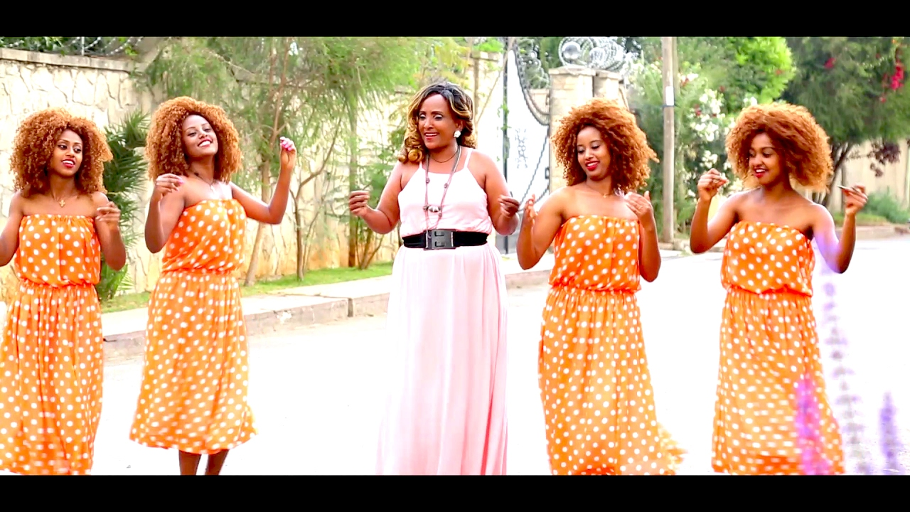 Tesfanesh Kbede - Na Hule - New Ethiopian Music 2017(Official Video)