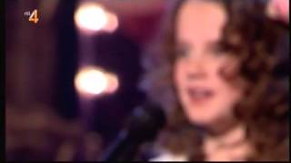 Amira Willighagen sings live Nella Fantasia -  may 11, 2014