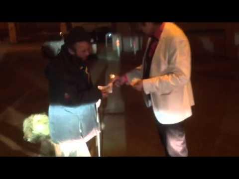 алибасов - спонсор бомжей.Alibasov - sponsor of the homeless.Юмор.Humor.Nana.Nanax.