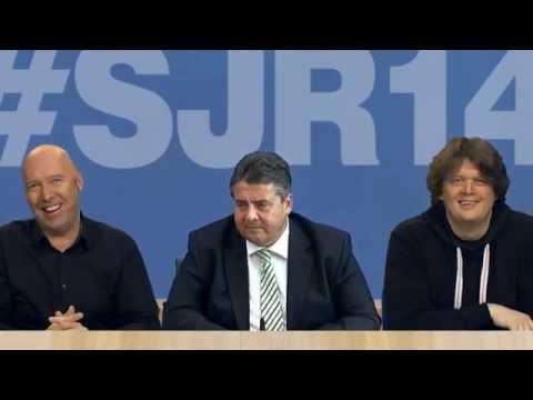 Sigmar Gabriel beim Satirischen Jahresrückblick 2014 | #SJR14 ZDF