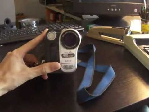 Sony Hi8 Handycam CCD-TRV138 Camcorder (circa 2005)