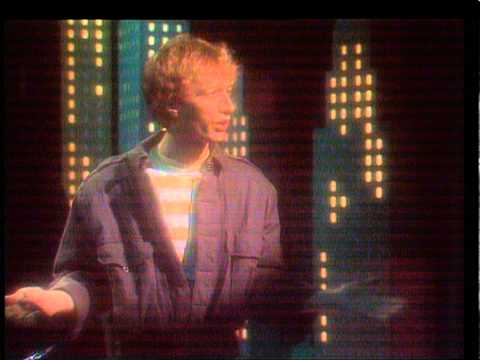 TOPPOP: Robin Gibb - Boys Do Fall In Love