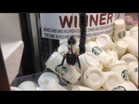 STARBUCKS COFFEE CUP GIFT CARD CLAW MACHINE WIN!