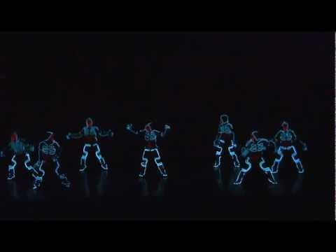 Thumbnail of video ALUCINANTE COREOGRAFIA AL ESTILO TRON - Amazing dance