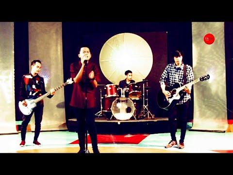 Laoneis Band - Ayah  ( Live at Matrix TV )